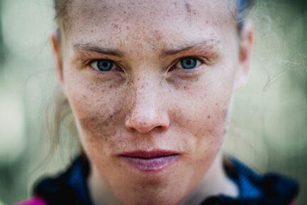 Porträtt utomhus Tove Alexandersson